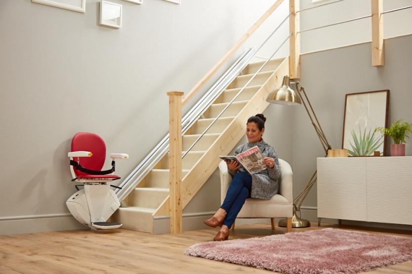 Nova cadeira elevador para escadas retas SYNERGY